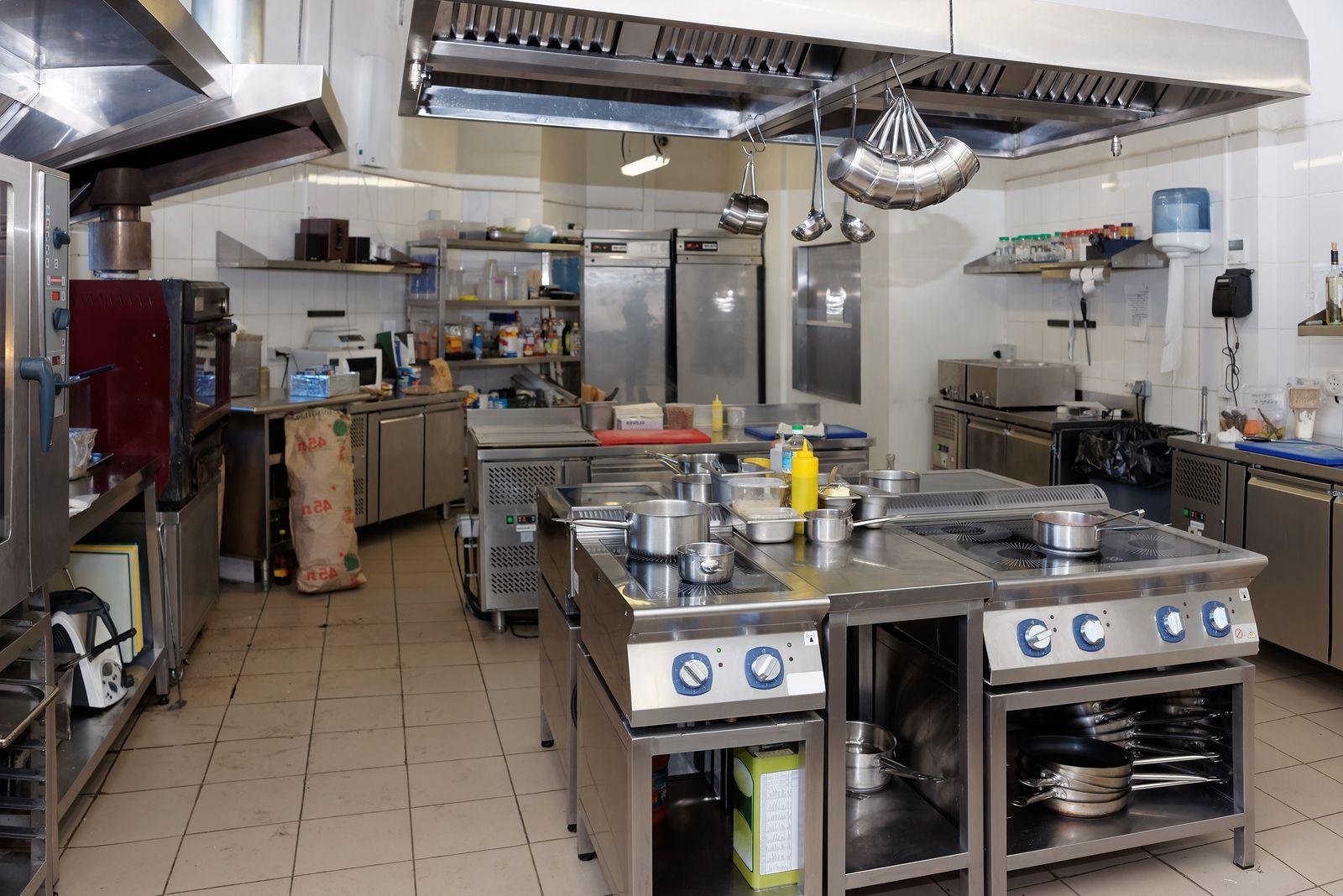 Thanh lý nhà hàng, bàn ghế đồ dùng thiết bị bếp nhà hàng quán ăn tphcm, hà nội, đà nẵng | Bếp, Nhà hàng, Ghế