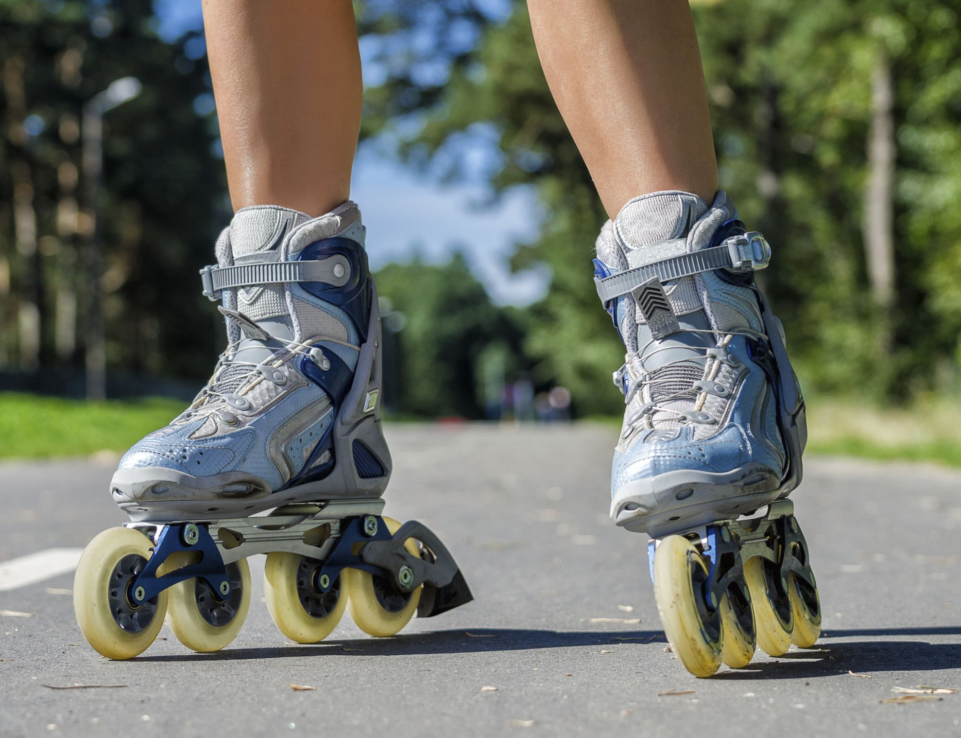 Close Up View Of Female Legs In Roller Blades Rollerblading Rollerblading Workout Inline Skating