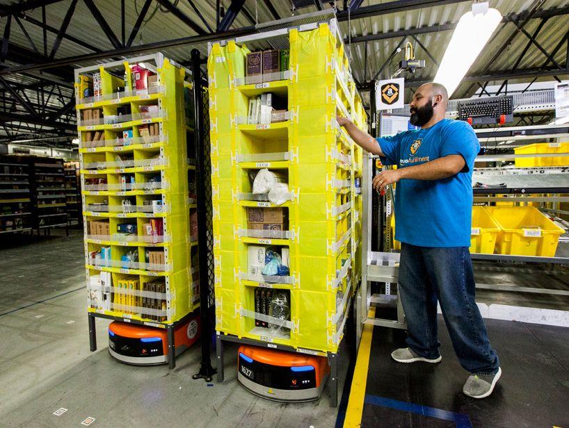 15 000 Amazon Kiva Robots Drive Eighth Generation Fulfillment Center Amazon Hacks Amazon Orders Amazon