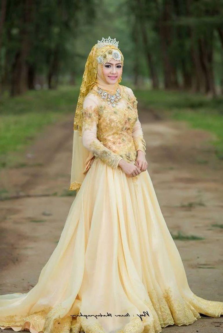 baju pengantin kebaya muslim warna gold  Gaun pengantin putri