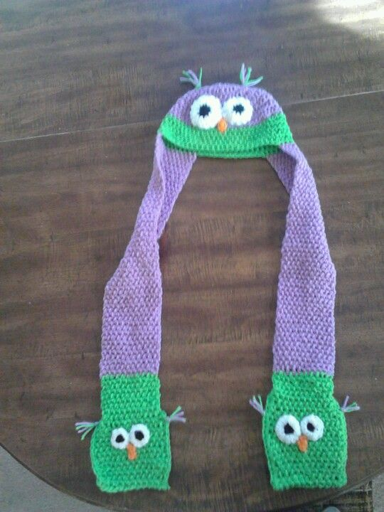 Crocheted owl hat scarf with pockets