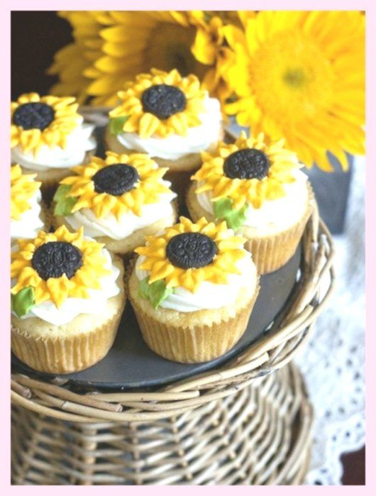 New Easy Cake : Make these adorable Sunflower Cupcakes,  #adorable #cupcakes #sunflower #thes... #sunflowercupcakes