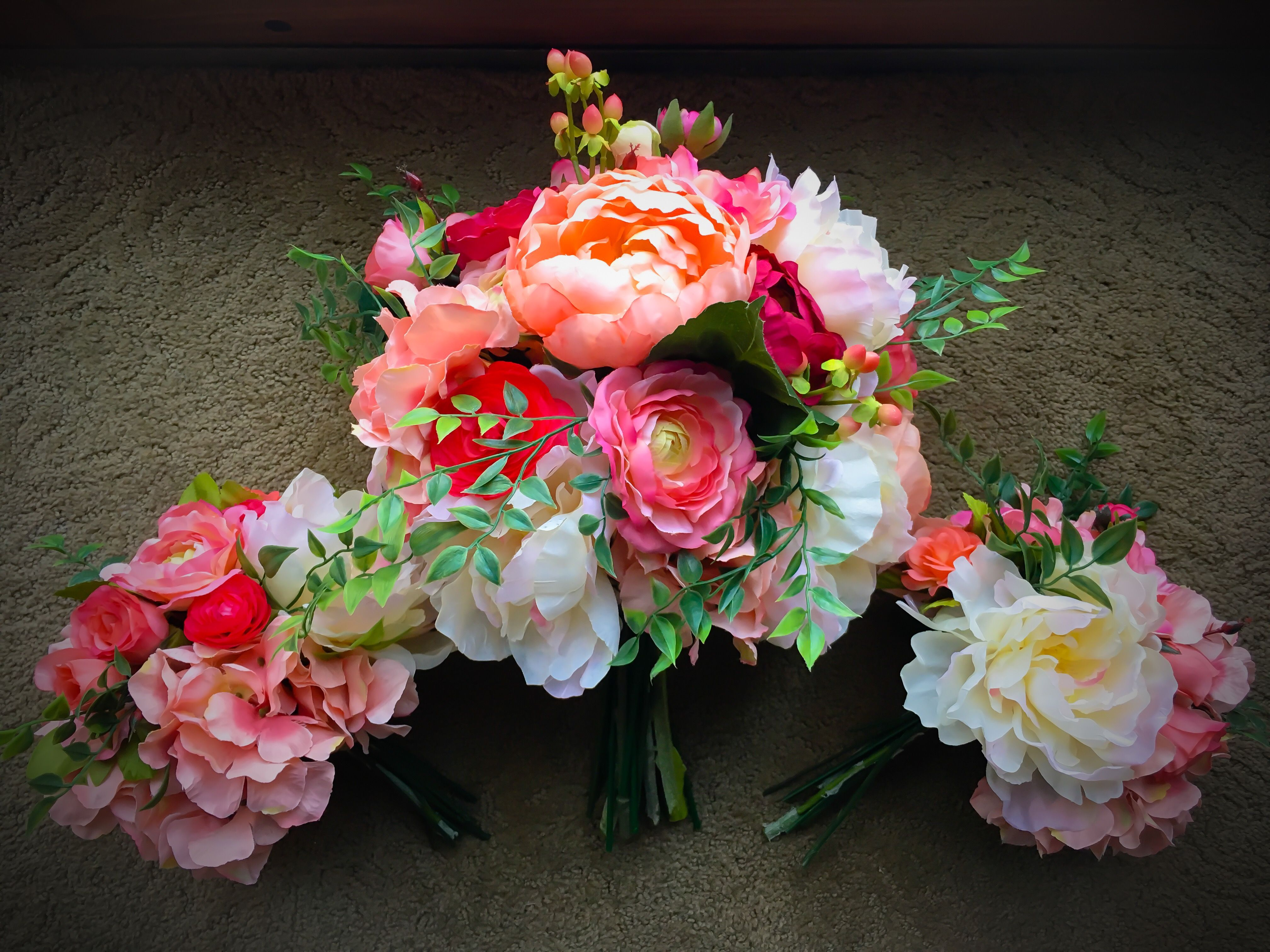 Custom Wedding Flowers - Bouquets, Corsages, Crowns and Boutonnieres ...