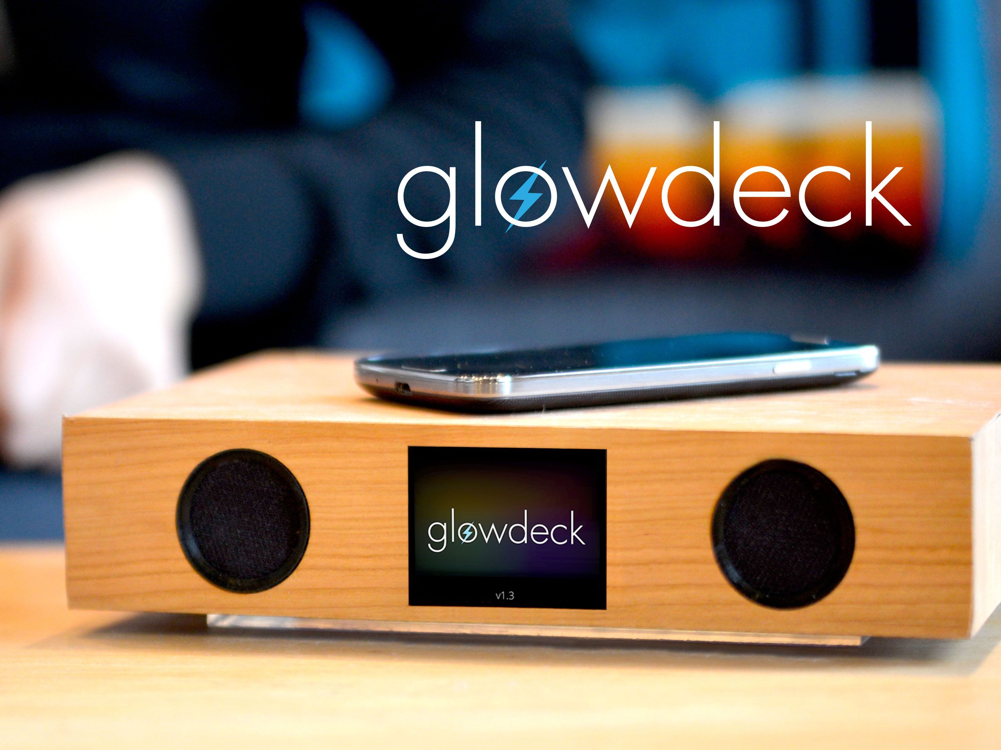 Glowdeck A Companion For Your Smartphone Bumboks