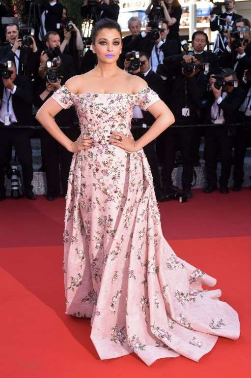 The appliques on Aishwarya Rai's Disney princess–worthy dress are gorgeous and girly. (The purple li... - Used with permission of / © Rogers Media Inc. 2016