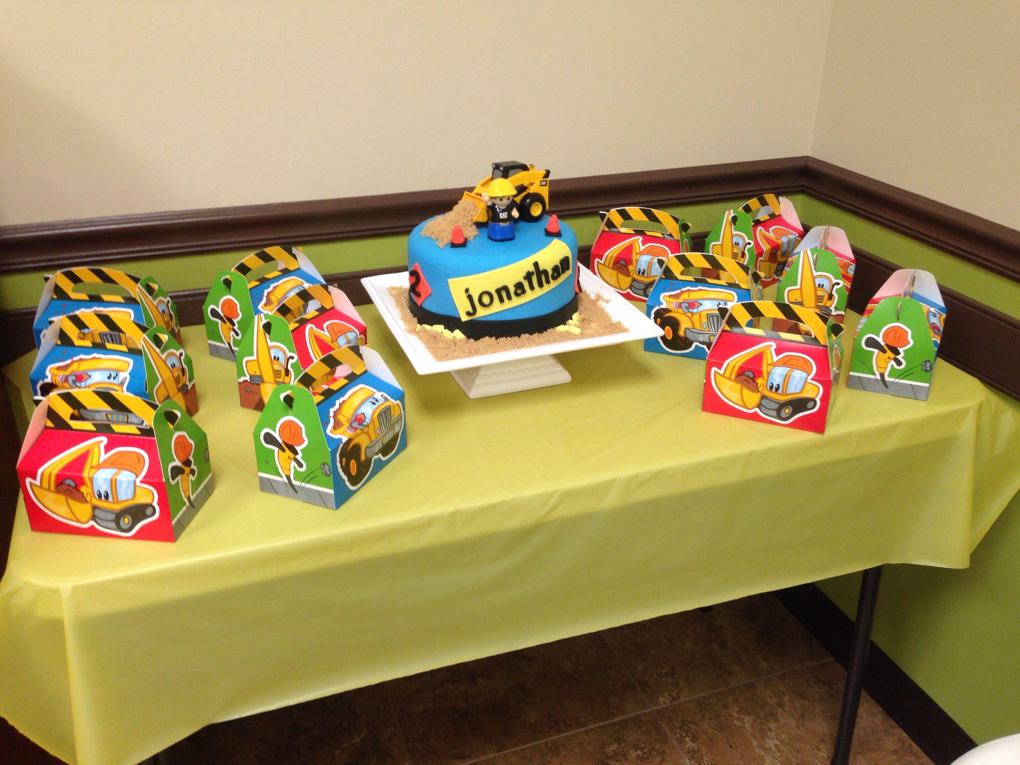 Tonka truck cake Boy birthday party ideas Pinterest Tonka