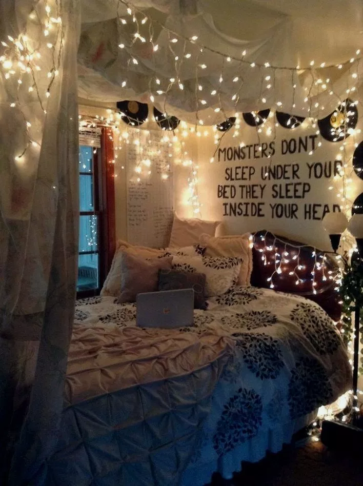 25 Ways To Use Fairy Lights And Make Your Bedroom Look Magical Bedroomideas Roomdecor Roomdesi Comfortable Bedroom Comfortable Bedroom Decor Bedroom Design