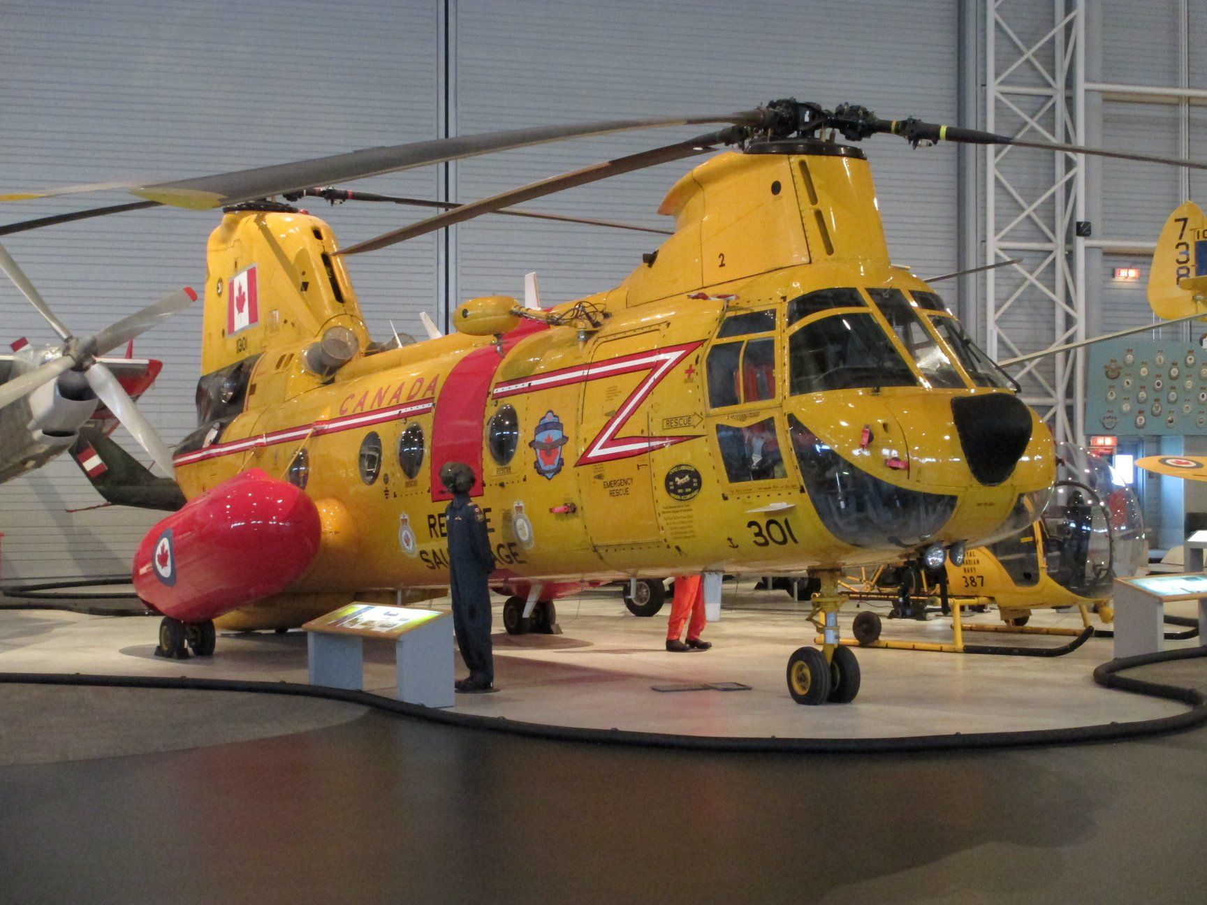 Boeing vertol ch113 labrador search and rescue helicopter