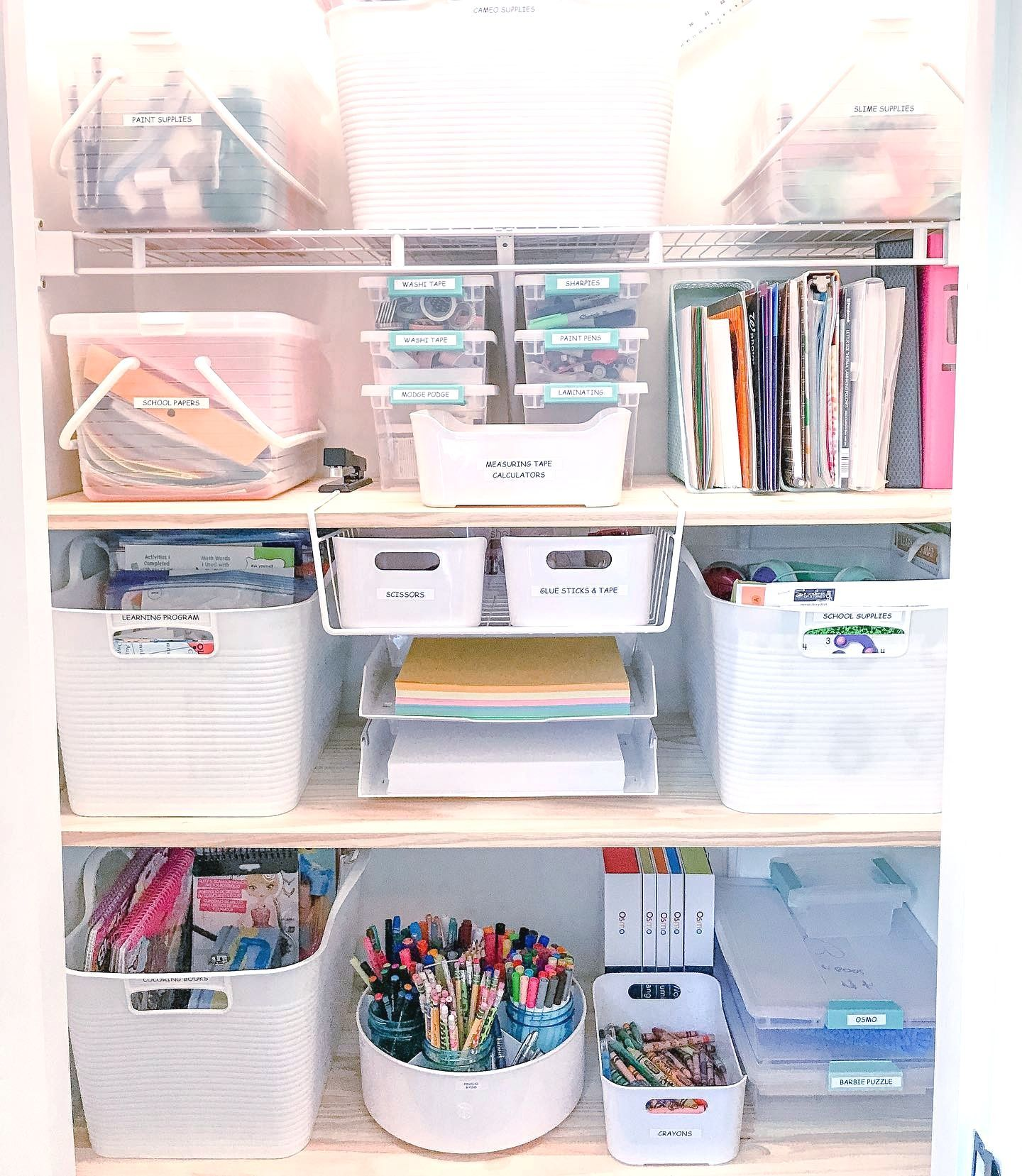 Love ❤️ this office supplies storage look from