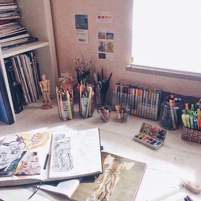 Pinterest P B ᵈᵉˢᵏ Messy Desk Art