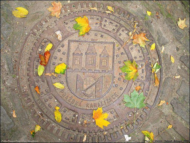 Praha, Czech Republic | Kanalizace 는 체코어로 하수처리라는 뜻. 이 사진 너무 이쁘다. 가을에 가니까 나도 이런 사진 찍을 수 있으면 좋겠네 :)