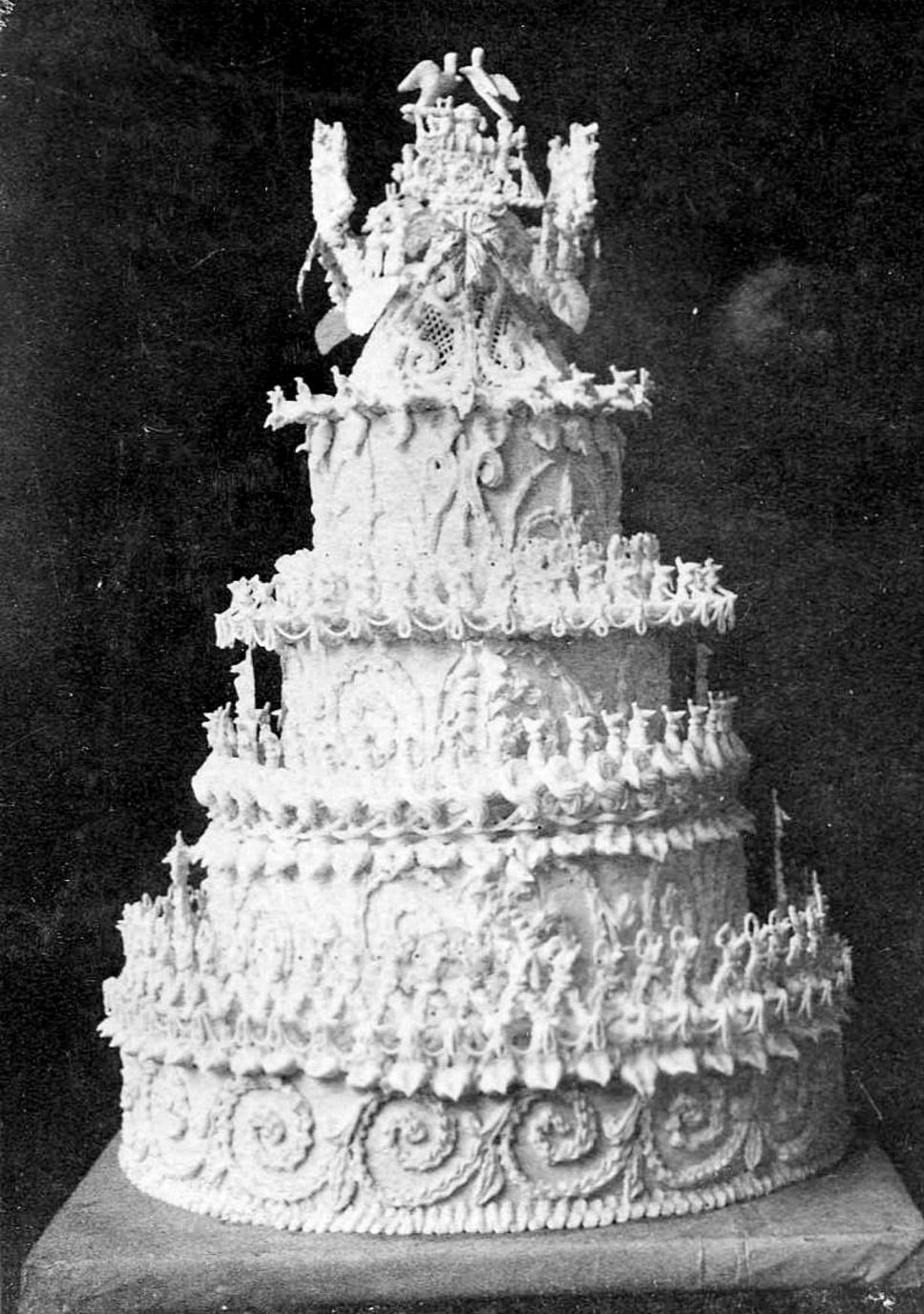 This Is The Wedding Cake Of George And Eliza Garrick Reid In 1885 Made And Decorated By James Brown Royal Wedding Cake Wedding Cakes Vintage History Of Cake