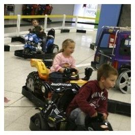 Erlebe auch an verregneten Tagen grenzenlosen Spielspaß mit Deinen Kindern im Erdino Hallenspielplatz in Erding bei München! $5