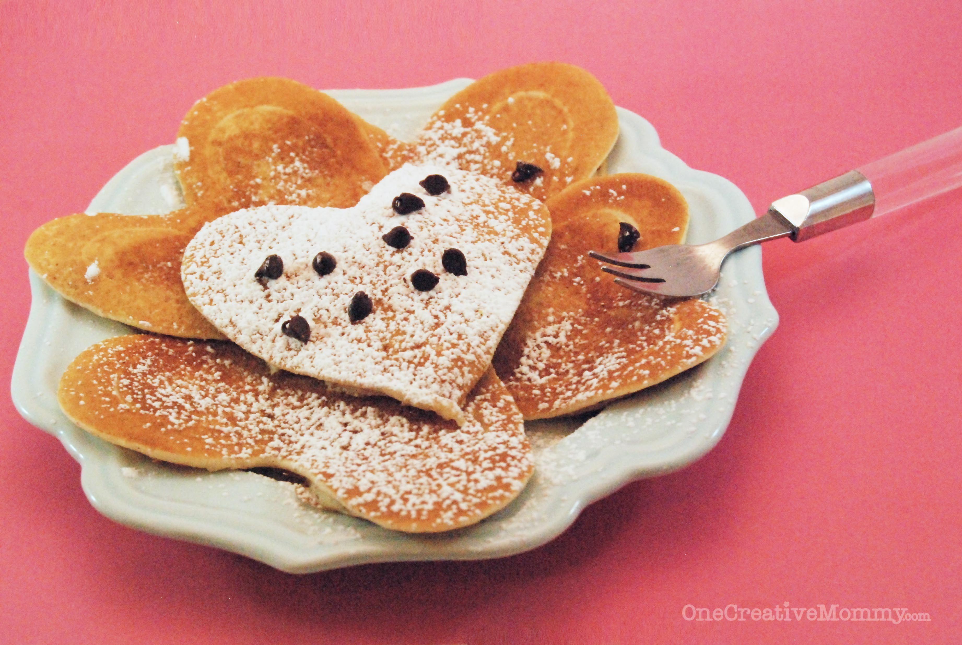 Heart shaped pancakeseasy valentine pancake tutorial
