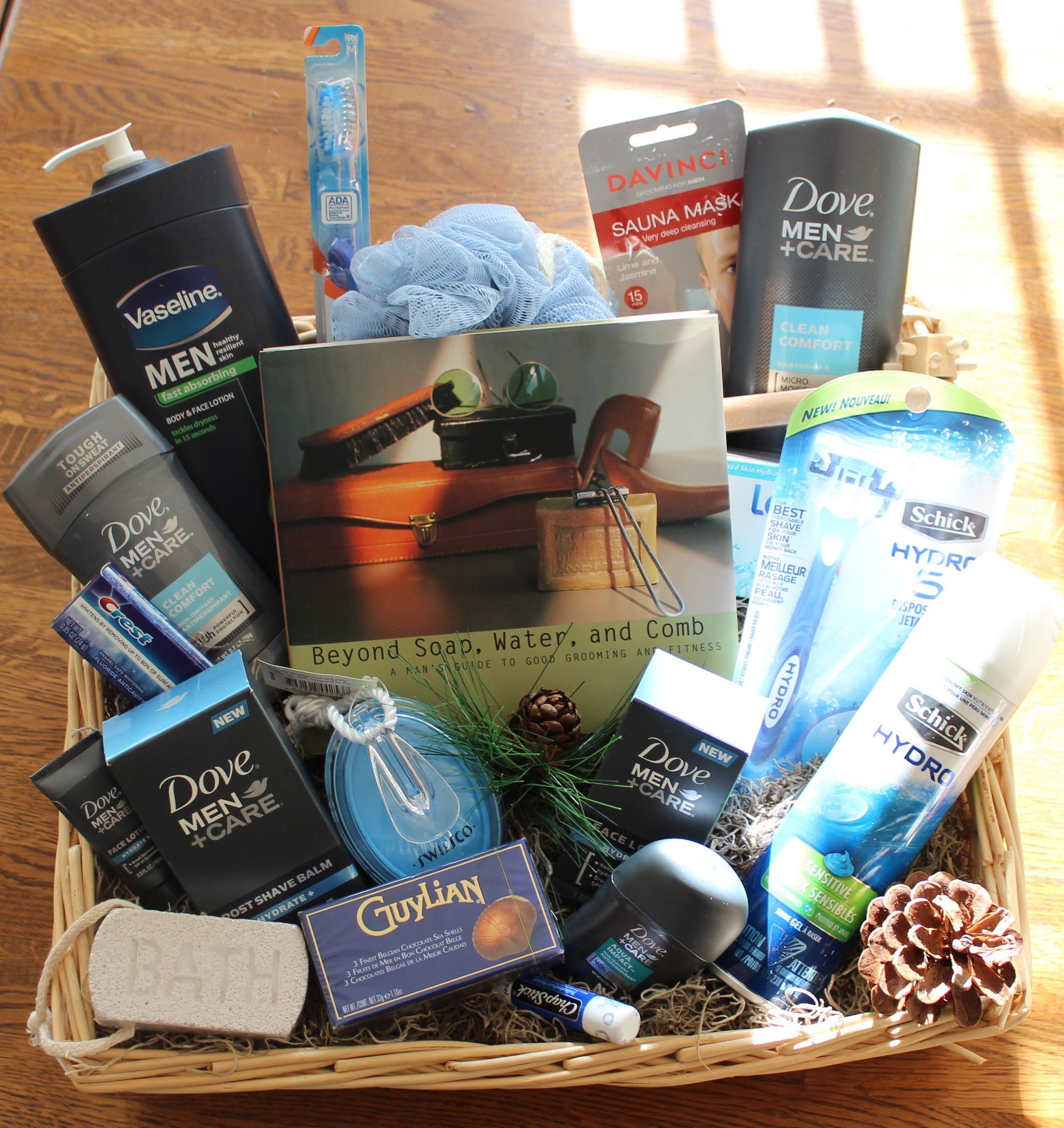 Men 39 s grooming spa fathers day basket before cellophane for Ideas for homemade christmas gift baskets