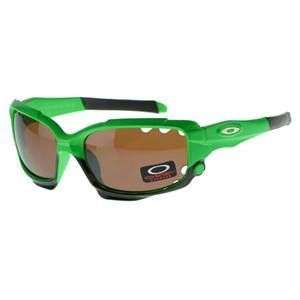 #Oakley famous and fashion , Only $17.99.