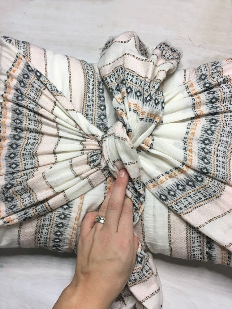 Quick and Easy No Sew Throw Pillow Covers DIY