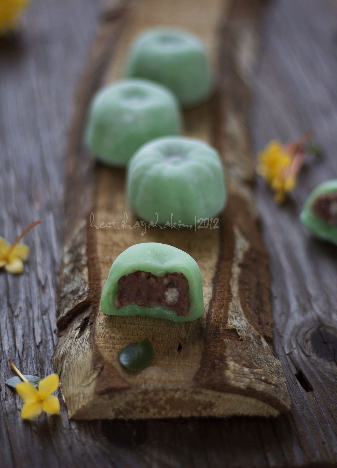 HESTI'S KITCHEN : yummy for your tummy: Mochi with Red Bean Filling