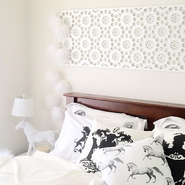 Can one have too many dog or horse themed homewares? I don't believe so!!!! #whitebedroom #mynest