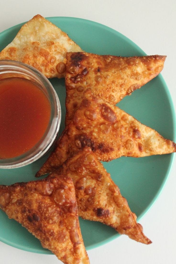 BBQ Chicken Wontons that are a perfect Game Day Appetizer. Check out this easy recipe that you can bring to your next tailgating party.