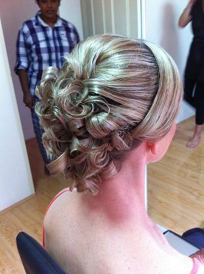 17 Country Wedding Hairstyles Colour That You Simply Cant Miss Bridal Hair Flowers Wedding Hair Brunette Wedding Hair And Makeup