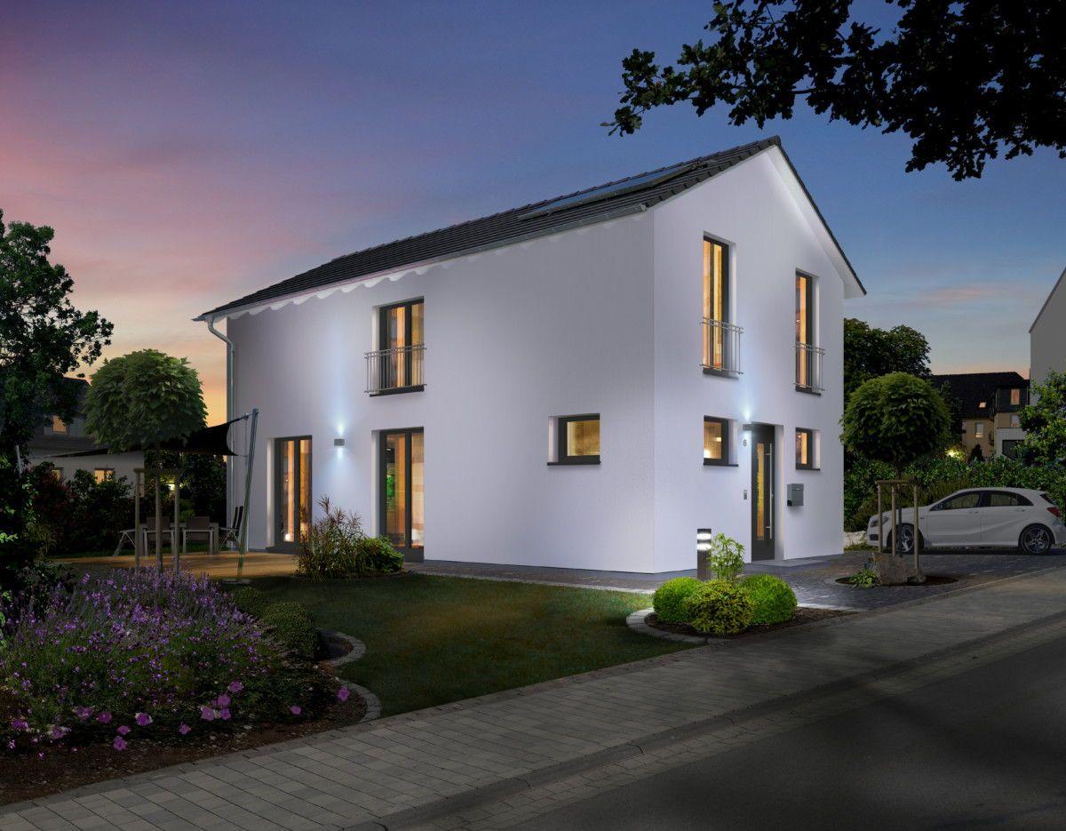 Schmales einfamilienhaus modern mit satteldach architektur for Massivhaus modern