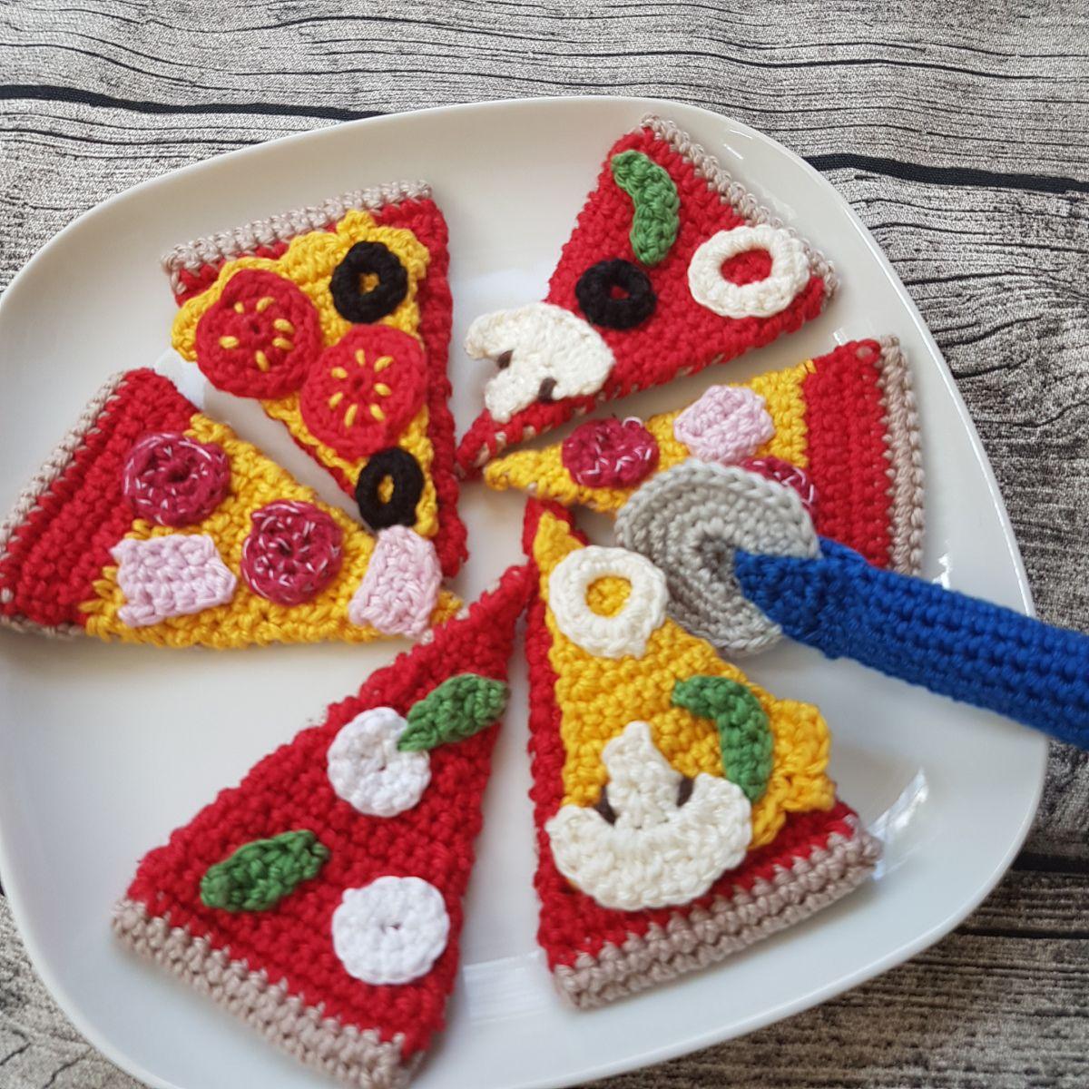 Pizza häkeln | Crochet food, Amigurumi and Chrochet
