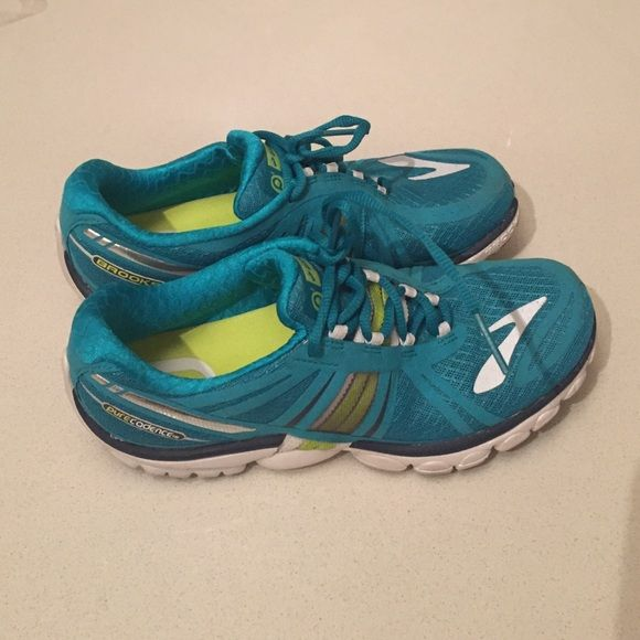 Brooks pure cadence shoes Brooks running shoes. Worn a few times in the gym only. Really great running shoes Shoes Sneakers