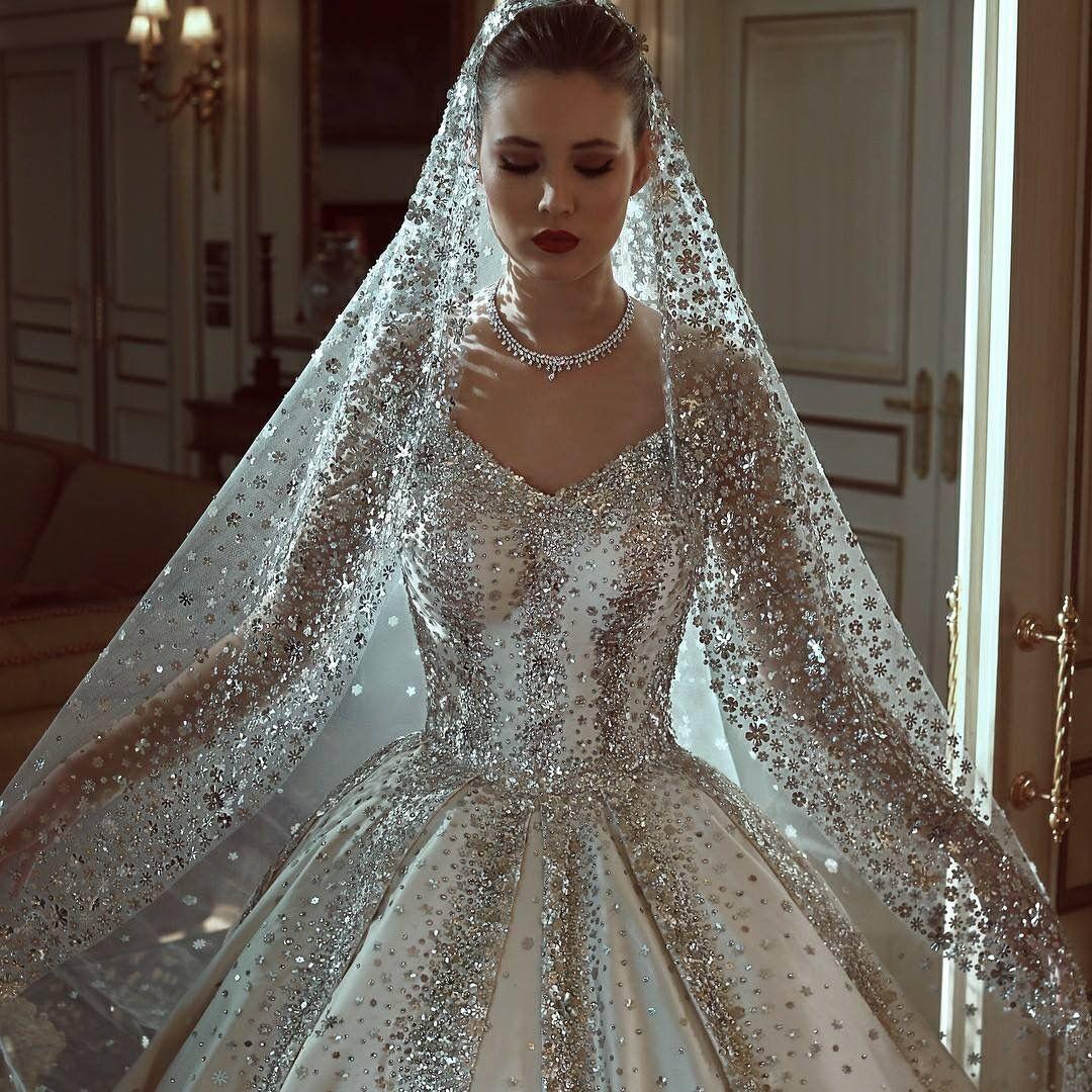 Jlo wedding dress  Pin by Mónica Patricia Marin Rodriguez on Wedding  Pinterest