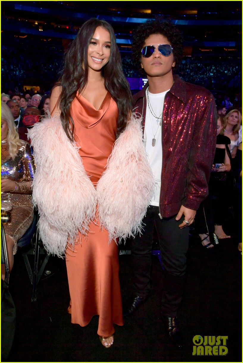 Bruno Mars Couples Up With Girlfriend Jessica Caban At Grammys