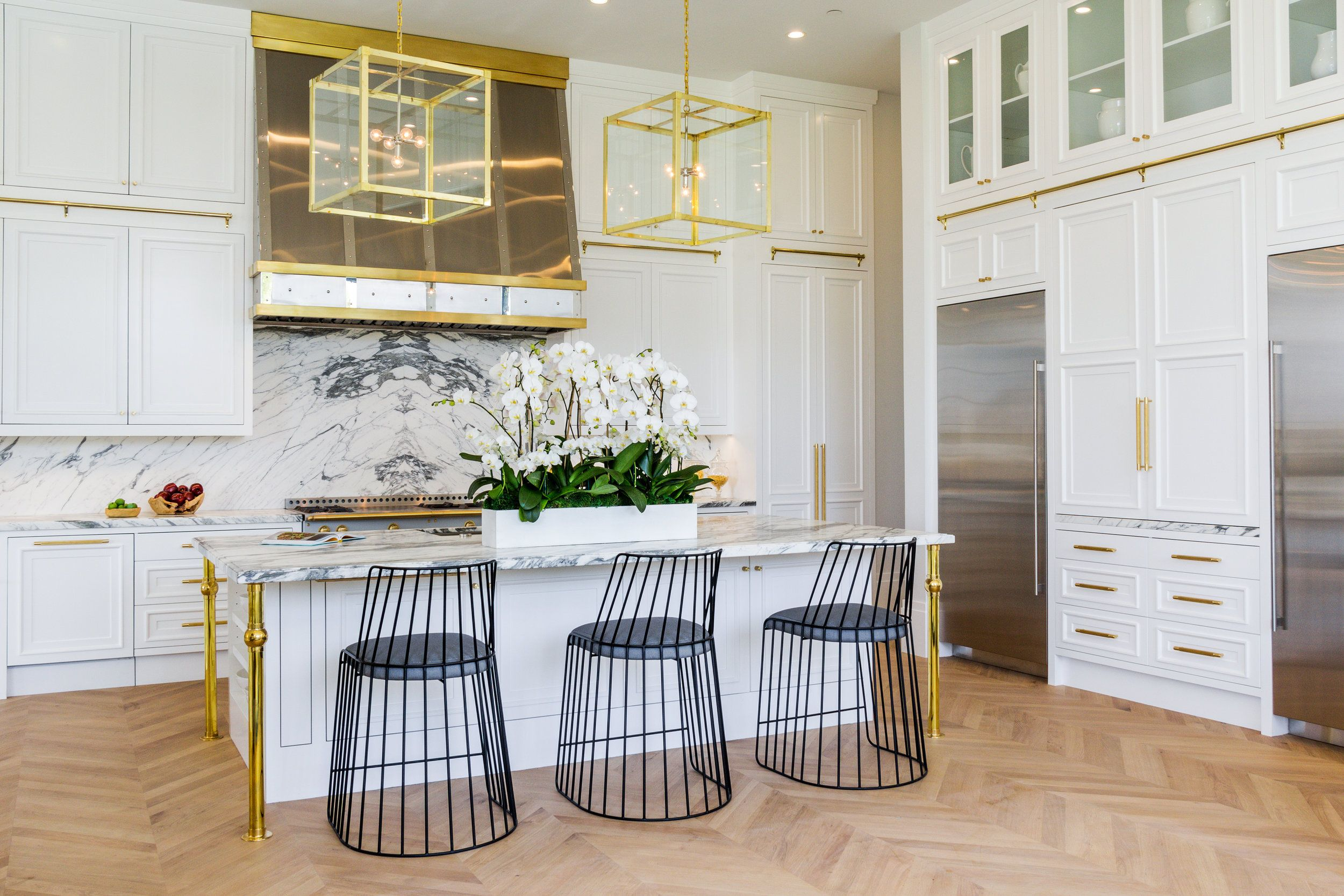 Vesta Luxury Home Staging Luxury, modern and contemporary kitchen ...