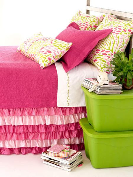 love the pink with lime green and that ruffled bed skirt!