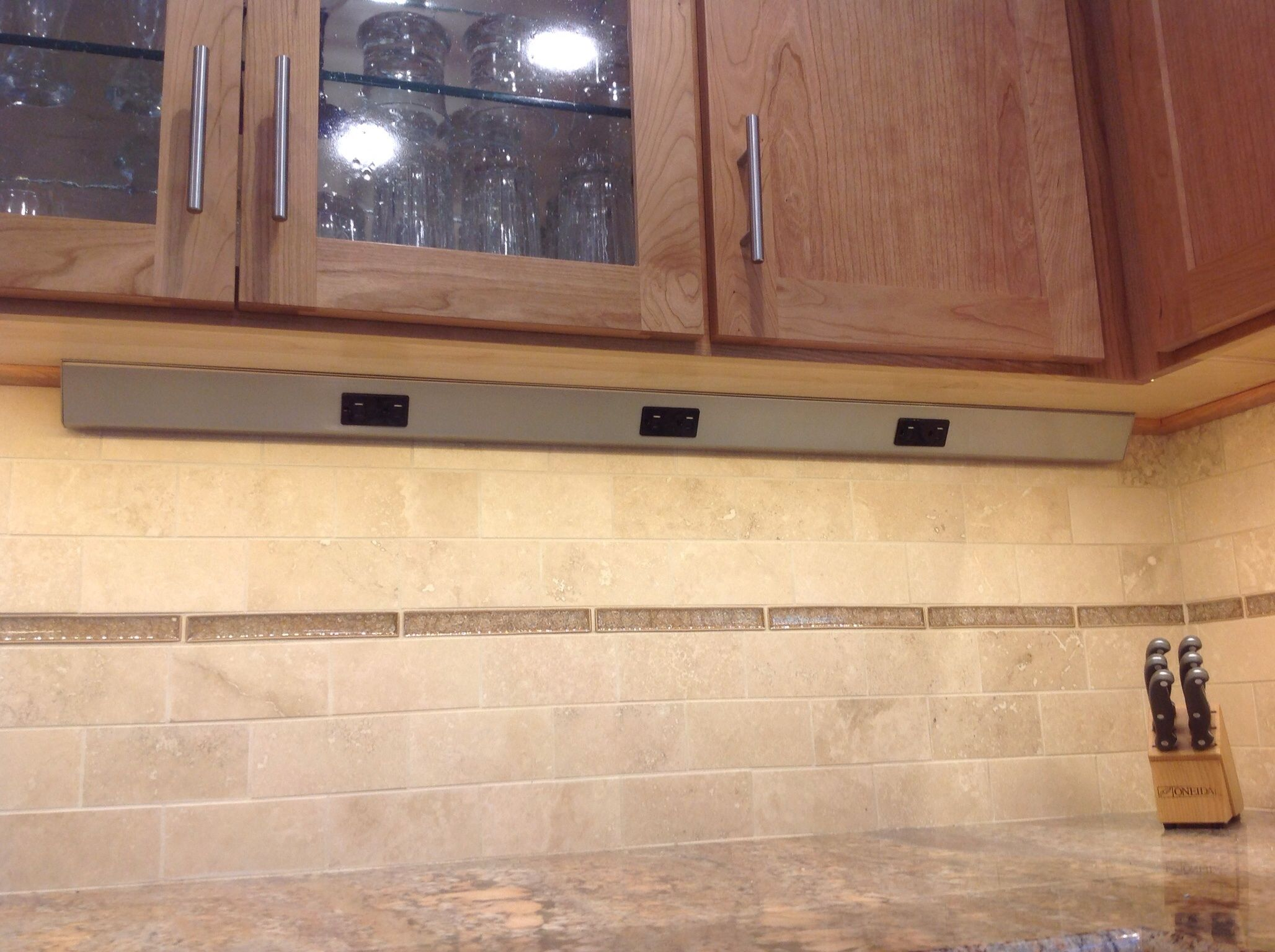 Under cabinets outlets leave your backsplash un obstructed ...