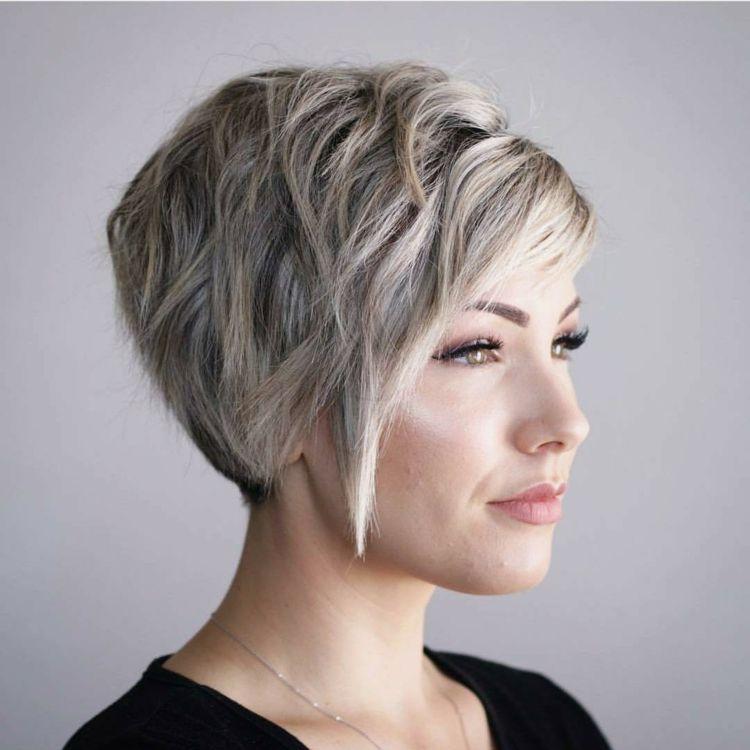 Gestuft Kurzhaarschnitt Trend Fur Dickes Haar Strahnchen Pony Hair