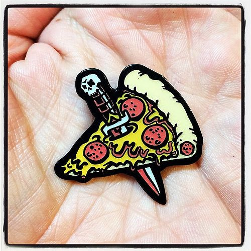 Just traded a PIZZA KNIFE enamel pin for a pizza. #ilovemyjob #pizzaknife #pineapplepins #goblinkomegamall | Flickr - Photo Sharing!