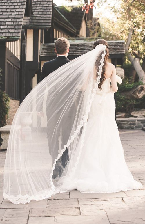 Vanya Bvlgari, Alencon lage edge bridal veil @ Etsy ($246.75)