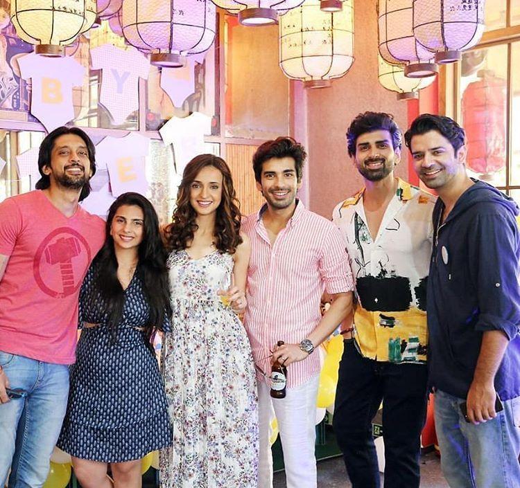 Monaya Sarun On Instagram Partofmycrew Packofwolves Repost Abhaas13 Monaya Sarun Sanaya Irani Celebs Lily Pulitzer Dress Arnav Singh Raizada