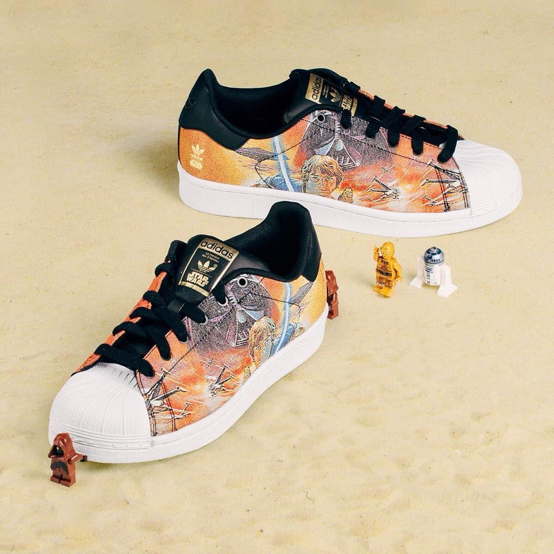 Nie Lada Gratka Dla Fanow Gwiezdnej Sagi Adidas Superstar Star Wars J 726 Jak Wam Sie Podobaja Adidas Adidasoriginals Ori Sneakers Shoes Saucony Sneaker