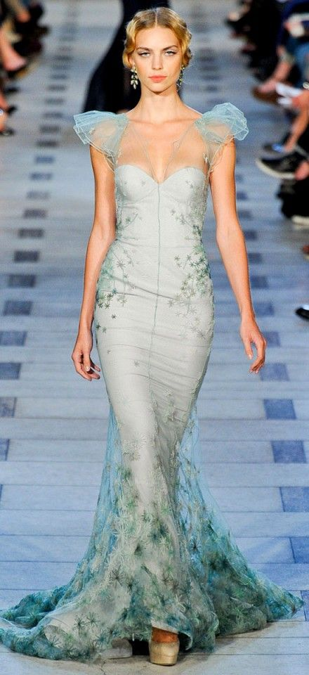 If I got to walk the red carpet, this is the dress I would do it in - 40 Stunning Colorful gowns for the soul