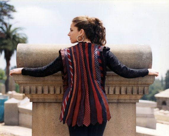 Heti Sofa - Jacke aus Recycling-Krawatten | Upcycling | Pinterest ...