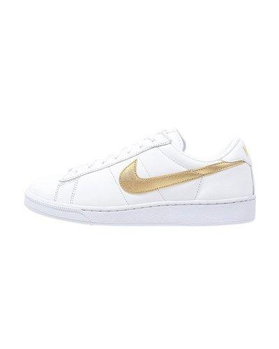 sports shoes 0efa0 a2c7c Nike Sportswear TENNIS CLASSIC Sneaker low white metallic gold desert