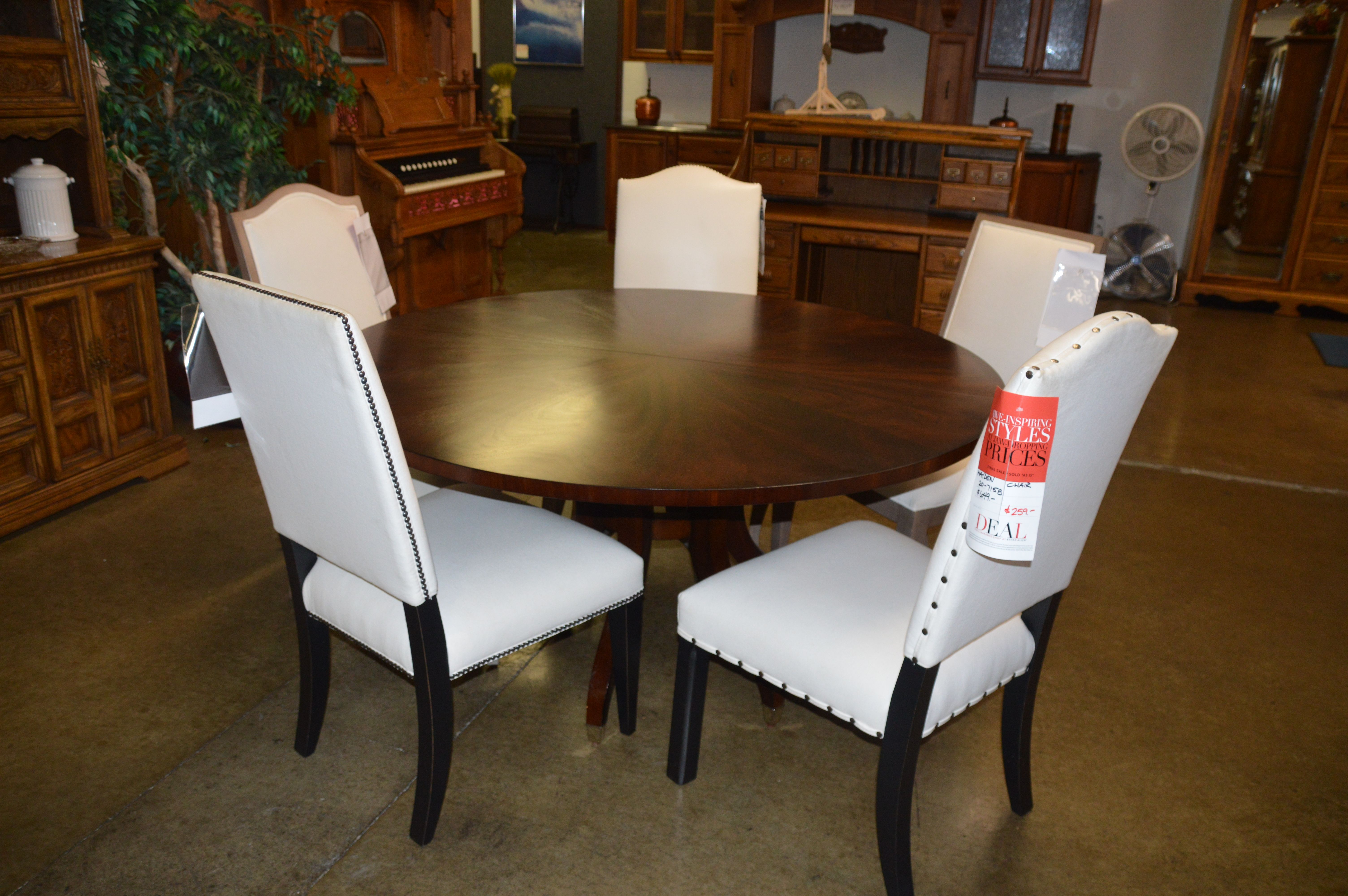 Ethan Allen Like New Dining Table and 5 Eclectic chairs
