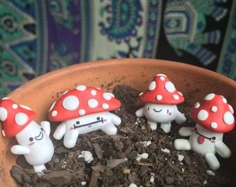 Fairy Garden sculpted clay Frog figurines