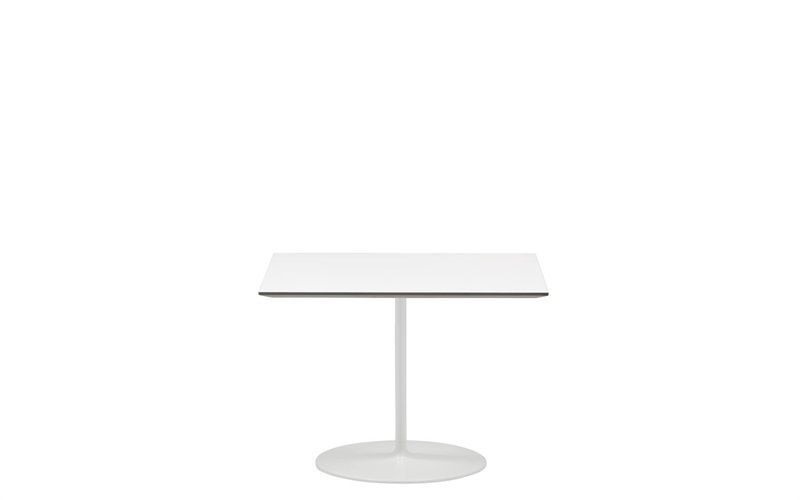 Central #table base with oval aluminum column and round injected aluminum base in matte white finish #AndreuWorldAmerica #OfficeDesign #office #interiordesign #furniture www.benharoffice.com/