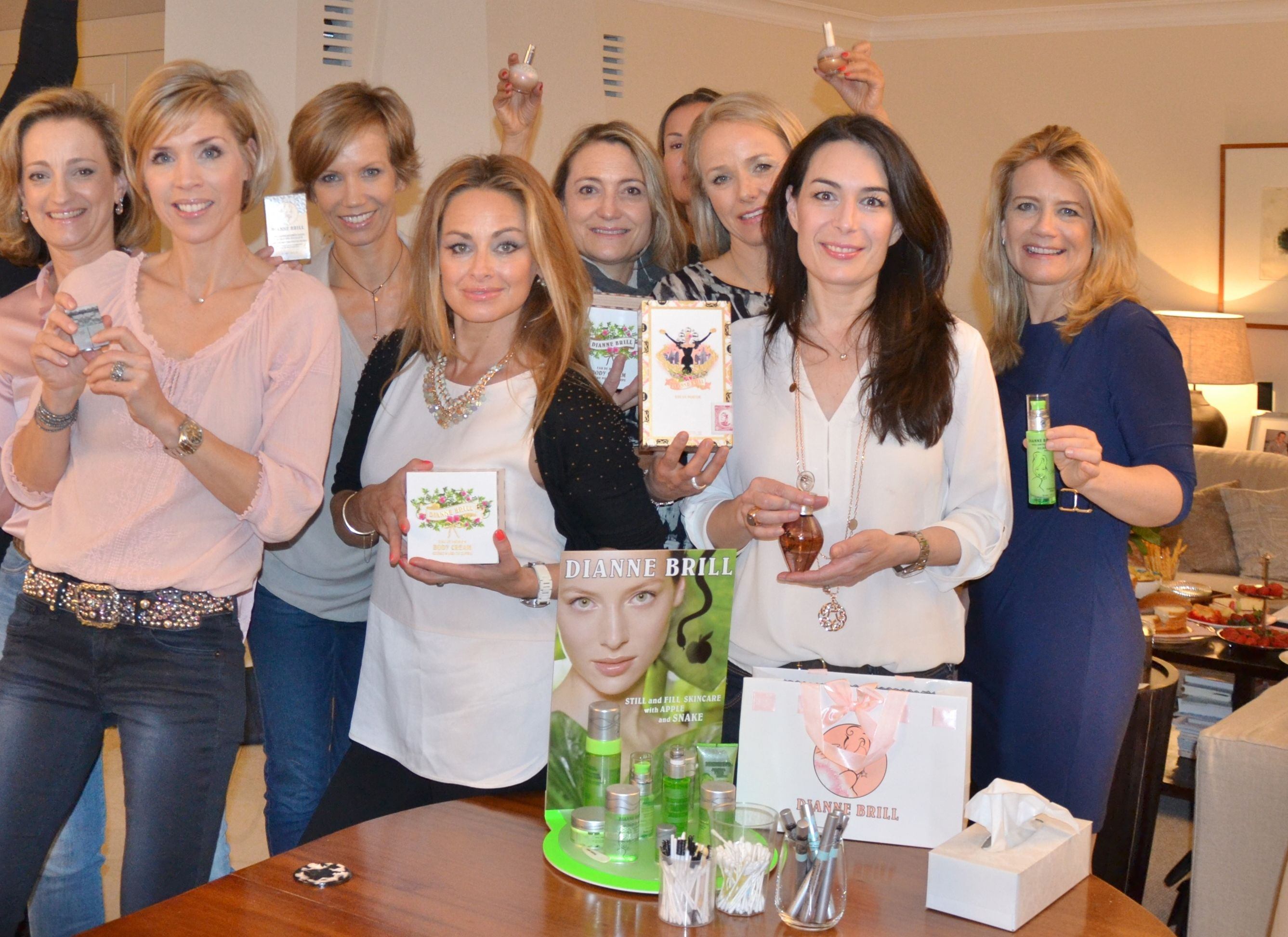 Dominque Stelling hosted the perfect party Look how happy everyone is now that they are all BRILL-ED !