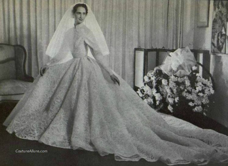 Ariane Heim, daughter of couturier Jacques Heim on her wedding day, 1953. Gown made by her father, of course.