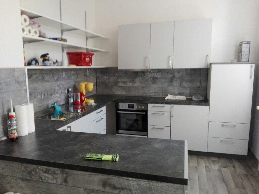 Gebrauchte Küche in was neues umgesetzt.