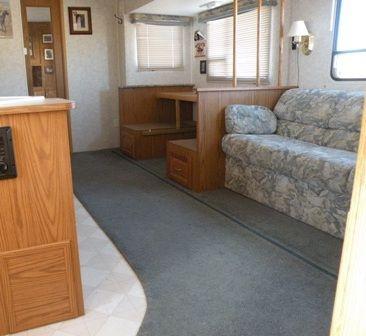 die besten 25 womo innenraum umgestalten ideen auf pinterest womo umbau wohnwagenrenovierung. Black Bedroom Furniture Sets. Home Design Ideas