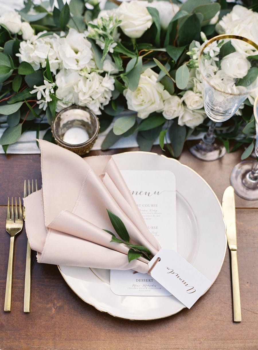 This Elegant Oahu Wedding Makes a Strong Case for Island Life
