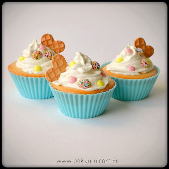 cupcake deco - brigadeiro fofo - pokkuru - doceria de bijoux #cupcake #deco #decor #decoration #fakefood #fake #food #cute #sweet #cake #whippedcream #brigadeiro #pastel #blue